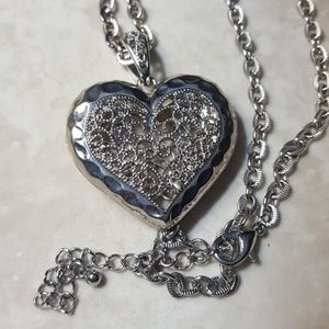 Long, adjustable chain heart necklace. So pretty!